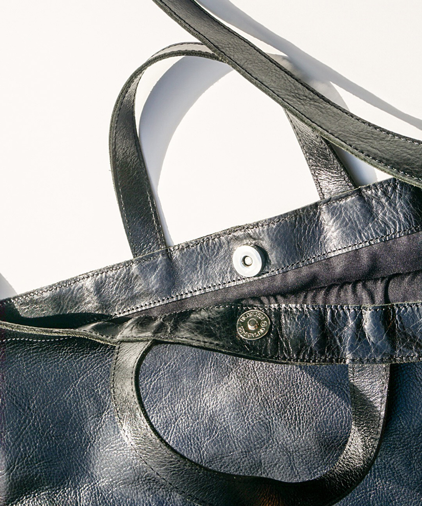 SQUARE SHOULDER BAG